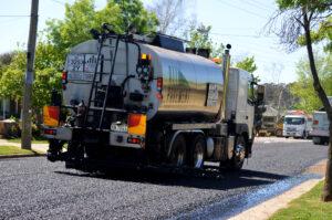 A spray sealing truck